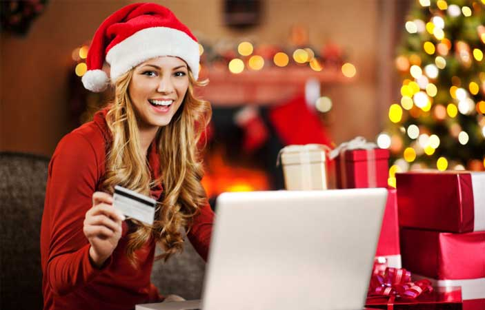 8 Tips to Save Money on Christmas Shopping
